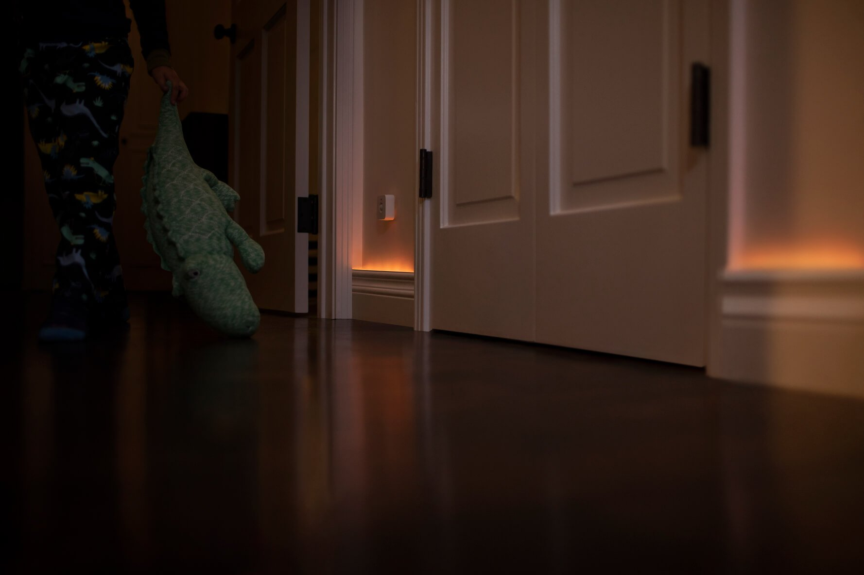 Hallway lighting activated by Hue Motion sensor