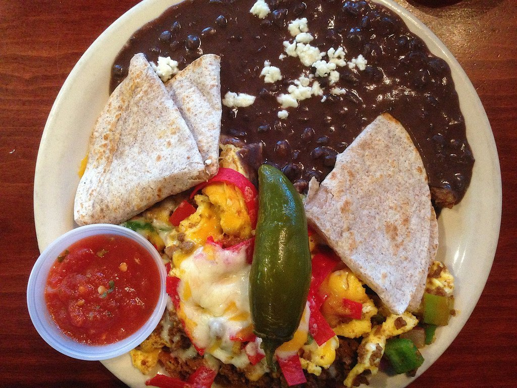 dine any time at Buzzbrews, a Dallas favorite