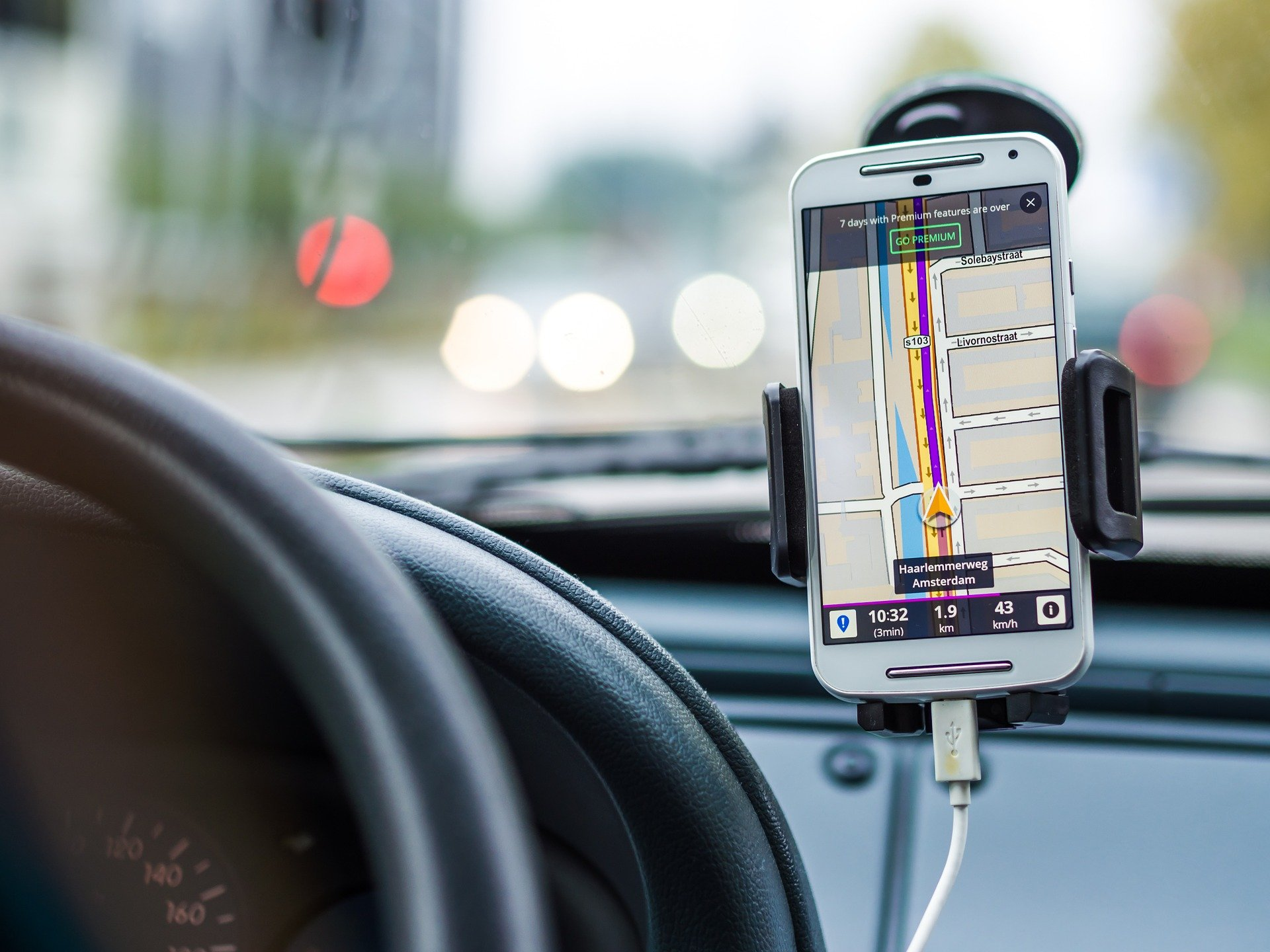 distracted drivers: navigation system