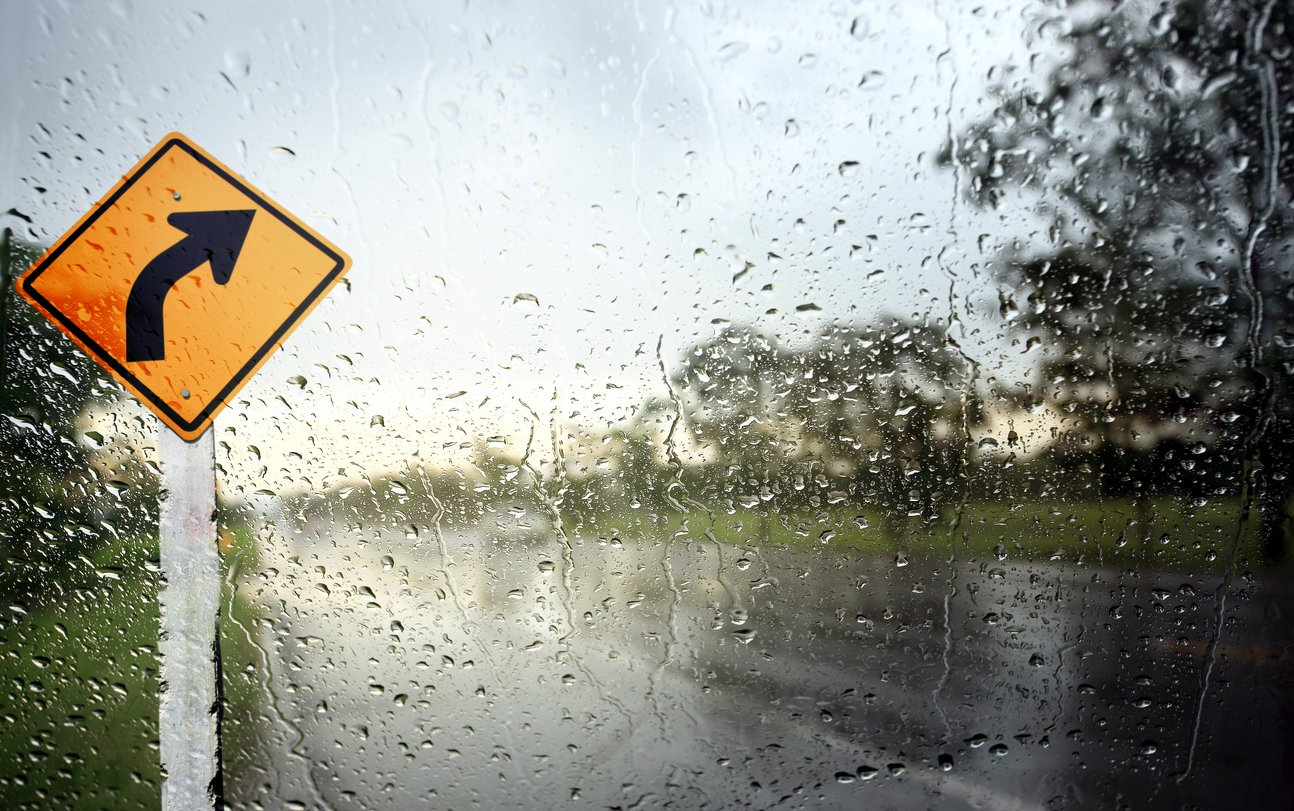 Tips for Driving in the Rain or Wet Roads