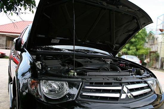Car-hood-open1