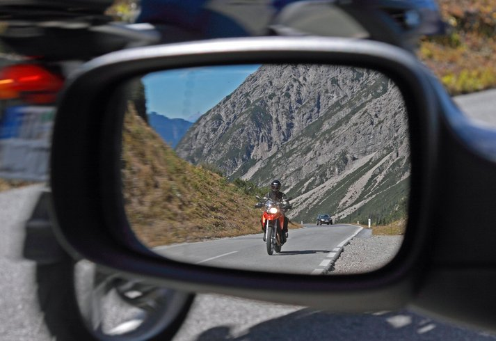 Rethink the Road Trip: Motorcycle Driving Tips for Cross-Country Drives