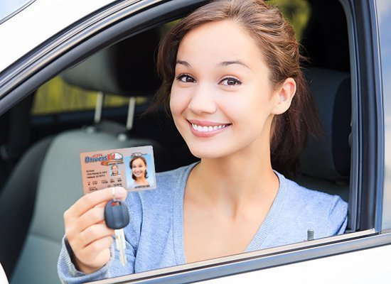 teen with drivers license