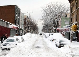 h-snow-covered-city-street-02