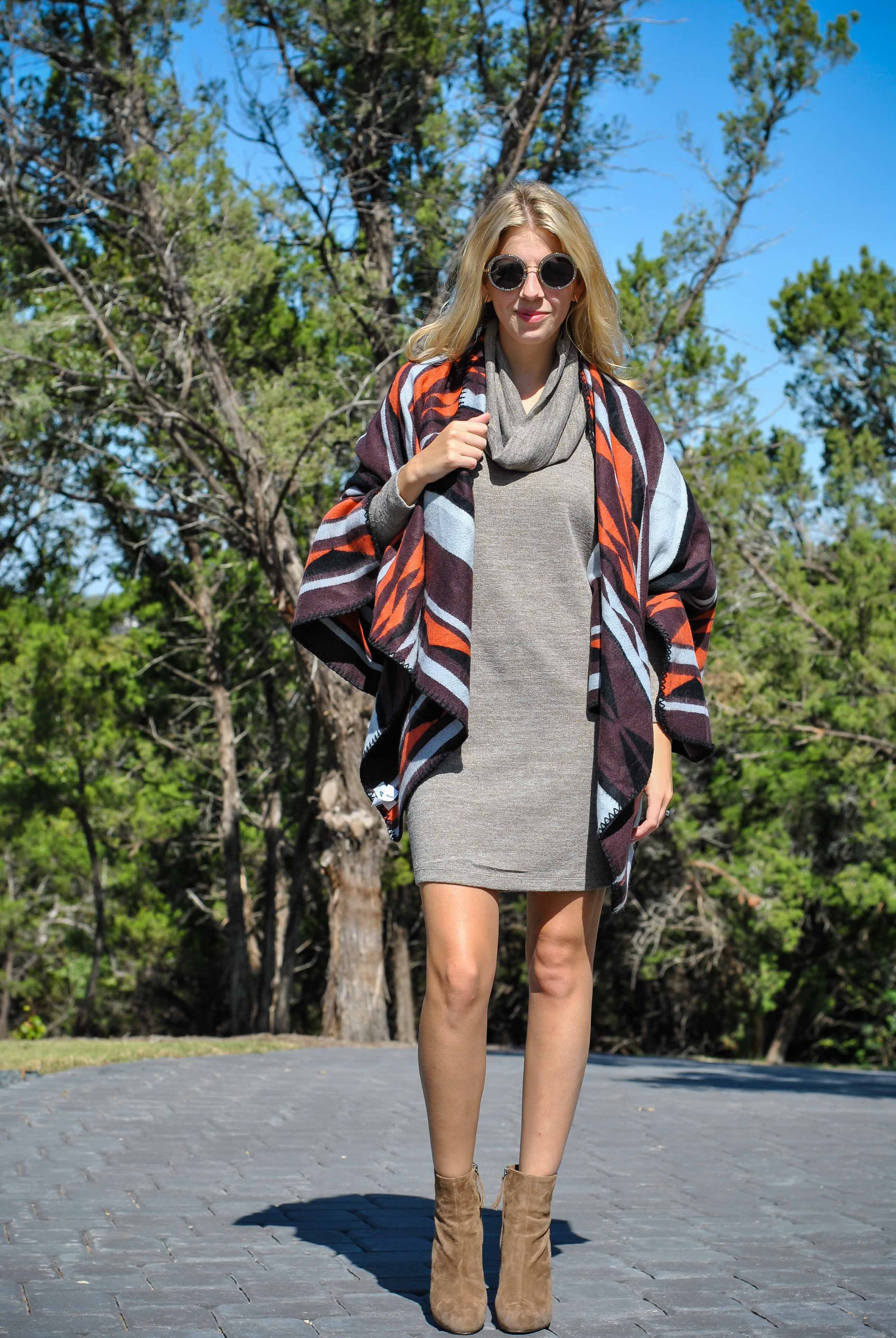 OldNavyStyle_OldNavyPoncho_OnePonchoTwoWays_TheChicBurrow_SisterFashionBlog_SisterBlog_SweaterDress-53
