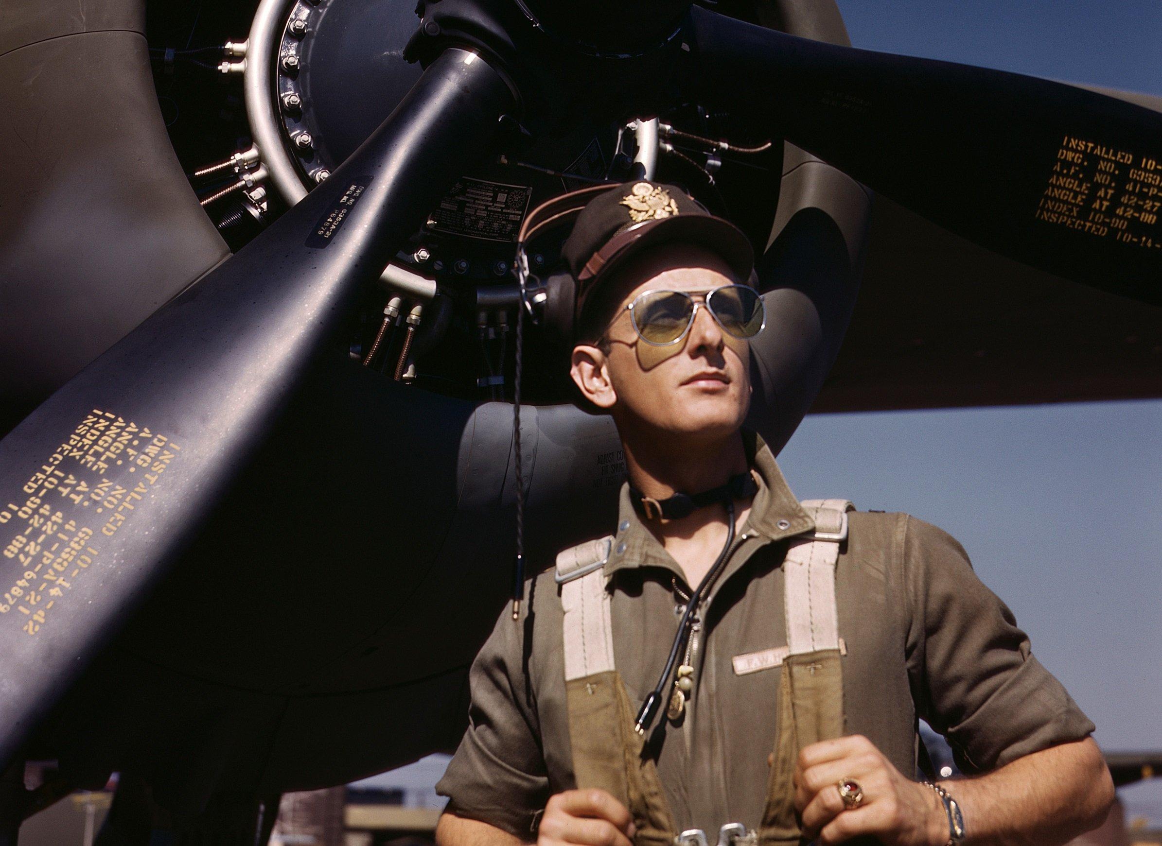 770e3d8fd3 When Did Aviator Sunglasses Become So Popular