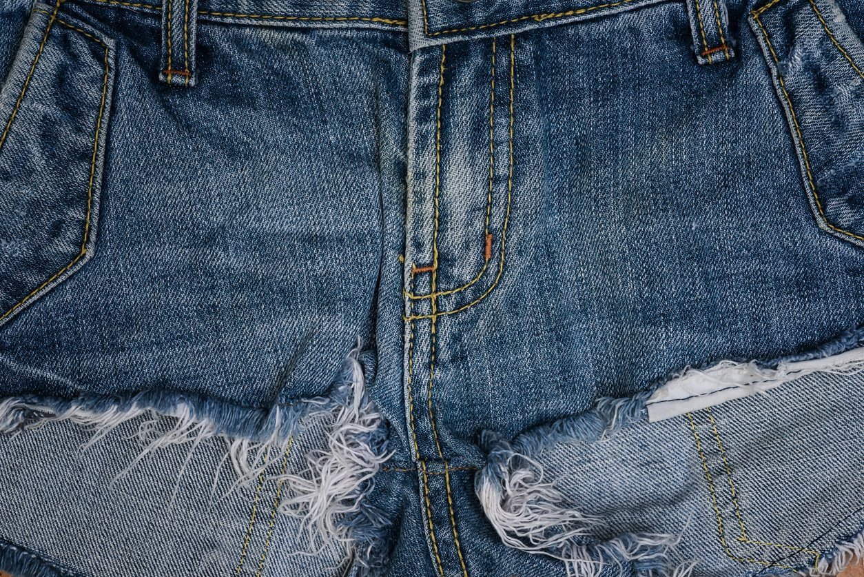 get that raw look making frayed hem jeans