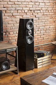 Choosing Between Bookshelf and Tower Speakers: Tower Speaker