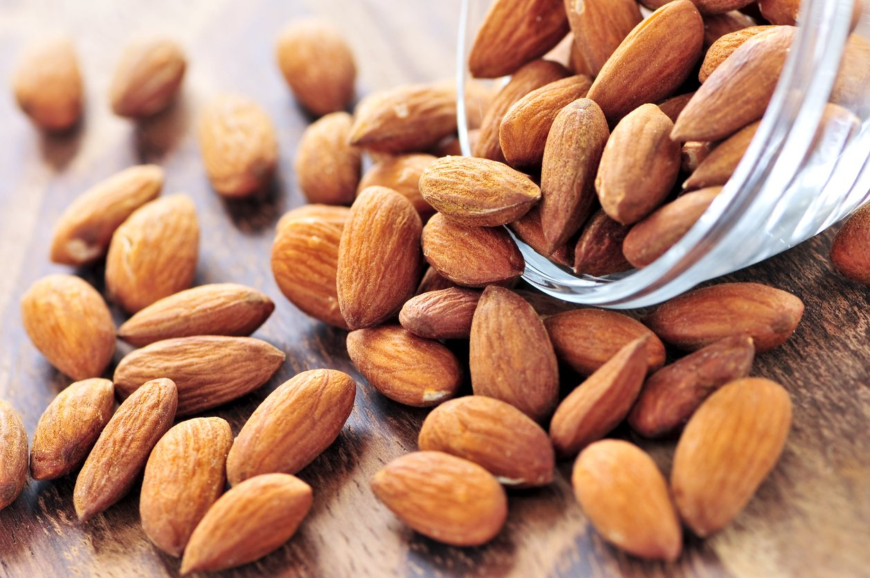 Carbs in almonds