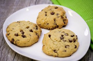 almond-flour-coconut-chocolate-chip-cookies