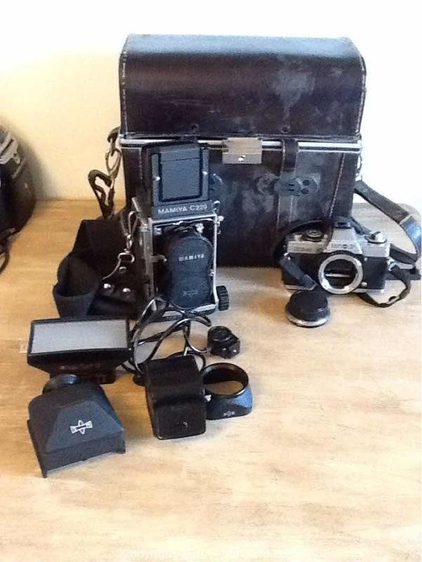 Vintage Camera Mamiya C220 Attachments