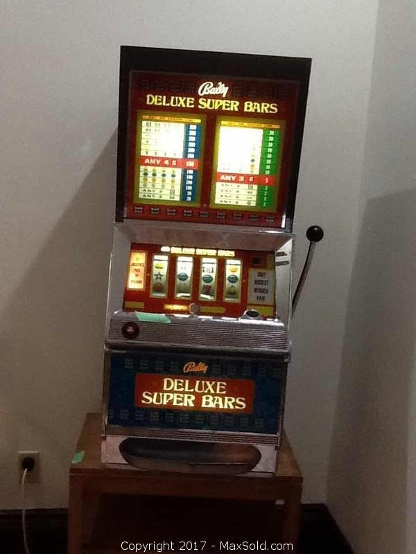 Slot Machine And Table