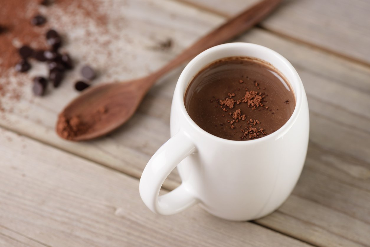 hot chocolate vs. hot cocoa - real chocolate