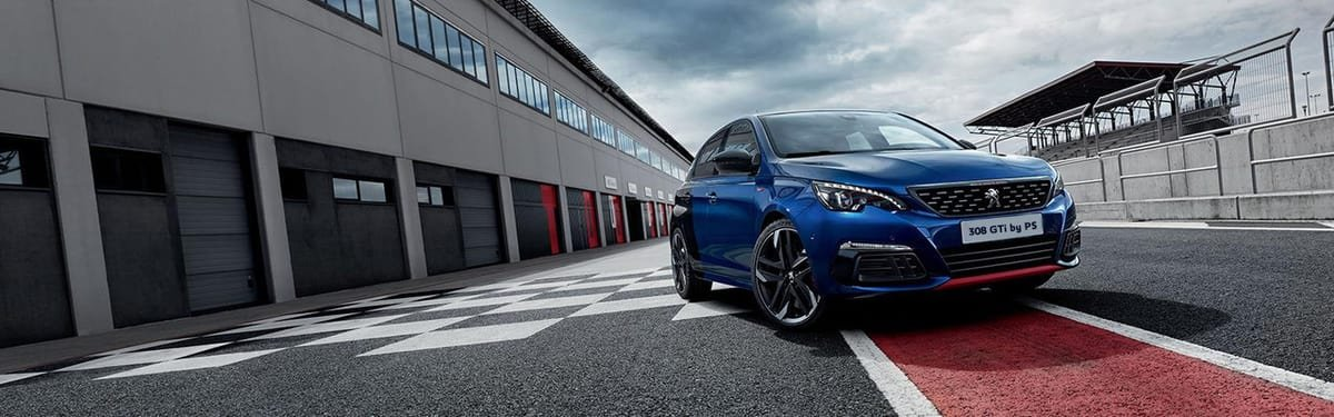 Peugeot 308 GTi Magnetic Blue on the track