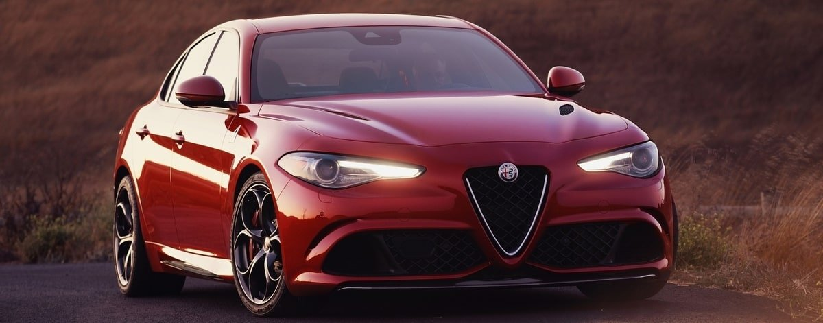 Alfa Romeo Quadrifoglio front view