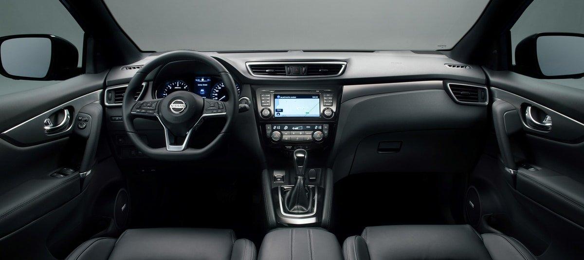 used Nissan Qashqai interior view