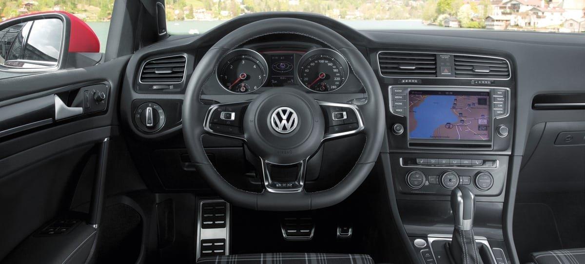used Volkswagen Golf interior view