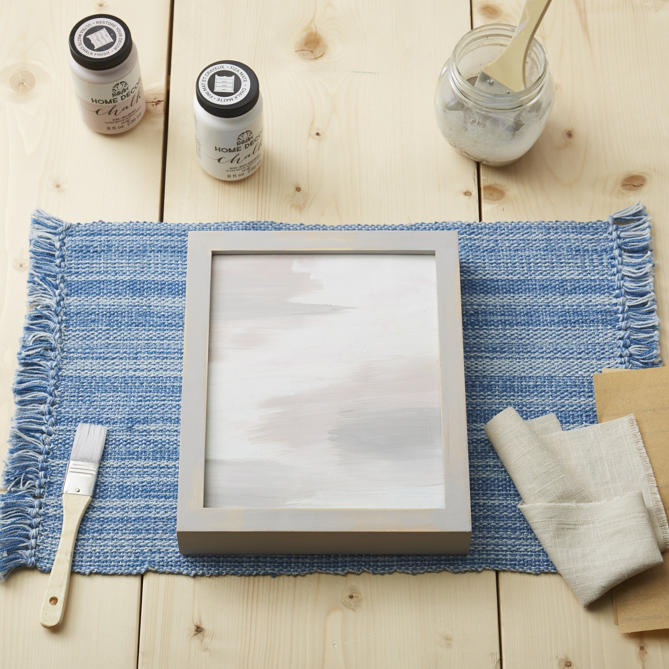 How-To Create a Rustic Farmhouse Frame | The Find by zulily