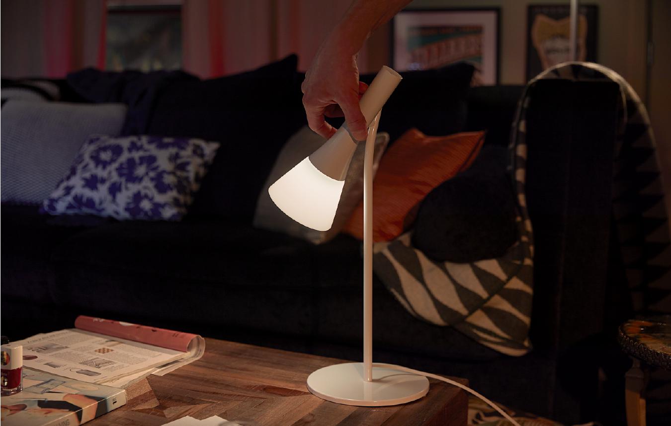Table lamp for task lighting